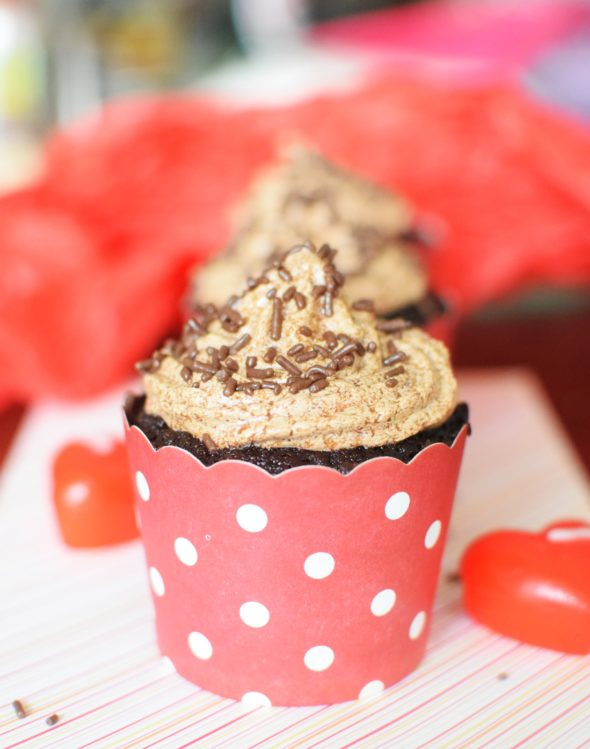 Super Soft Moist Chocolate Cupcakes